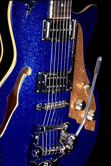 Guitars / Ukuleles