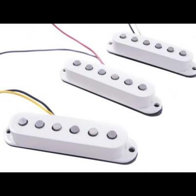 Fender Deluxe Drive Strat (White)